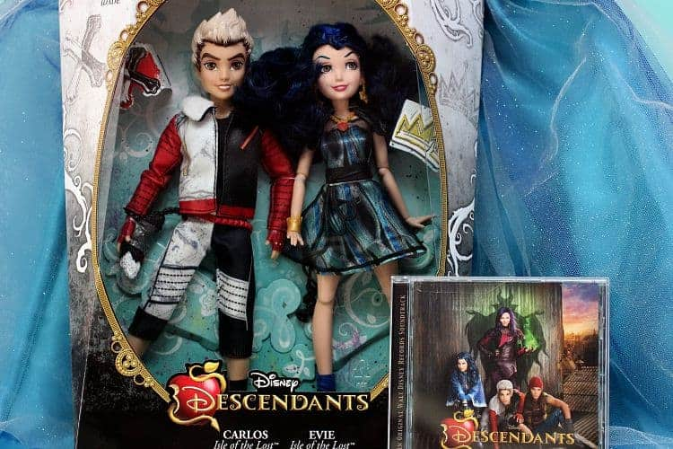 Disney-Descendants-Dolls-Carlos-Evie-Soundtrack