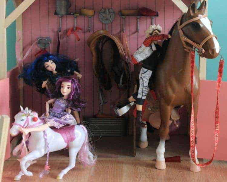 Disney-Descendants-Dolls-Fun