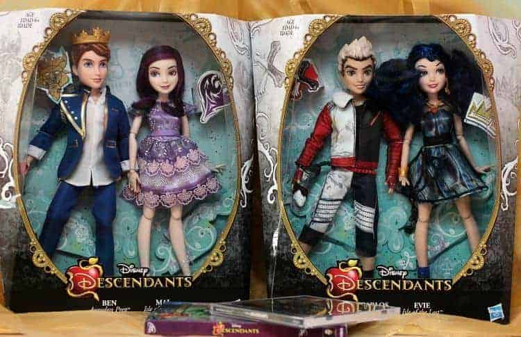 Disney-Descendants-Dolls-Mal-Carlos-Ben-Evie