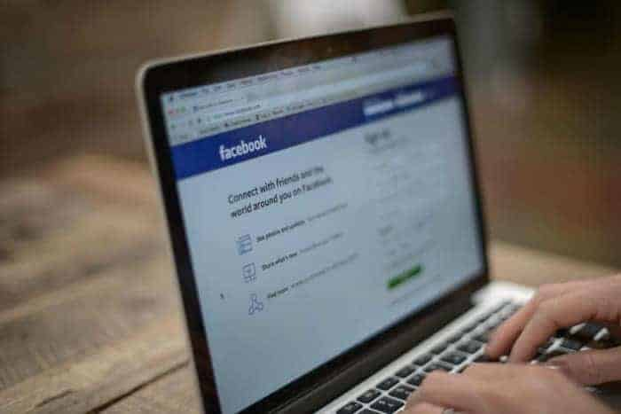 Why You Should Start A Facebook Account For Your Baby