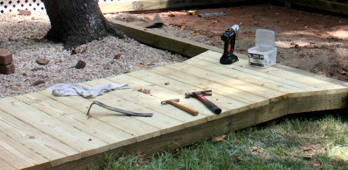 How to Build a Wooden Walk Assembly